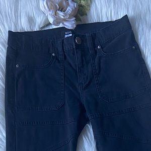 BDG ankle skinny jeans black size 27